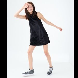 Vintage sleeveless black velvet mini dress